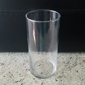 """Clear 7.25"""" vase"""